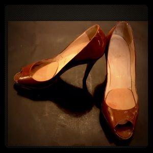 CHRISTIAN LOUBOUTIN Platform Patent Leather shoes!